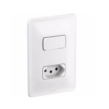 Interruptor 4x2 1T Paralelo+Tomada 2P+T 10A Zeffia Branco - Ref.680114 - PIAL
