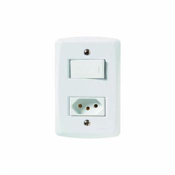 Interruptor 4X2 Simples+Tomada 2P+T 10A/250V Lux2 Branco - Ref. 57145064 - TRAMONTINA