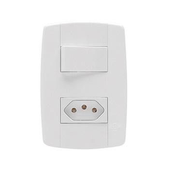 Interruptor 4x2 1 Tecla Simples+Tomada 2P+T 10A Lev Branco - Ref.87200 - ILUMI