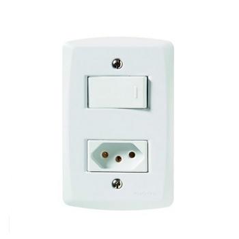 Interruptor 4x2 Simples + Tomada 2P+T 10A Lux2 Branco - Ref. 57145/264 - TRAMONTINA